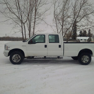 2005 Ford F-350 XLT Pickup Truck.... Need gone. Must See.
