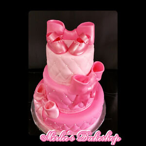 I offer custom Cakes,cupcakes ,Fresh Bread and Pastry
