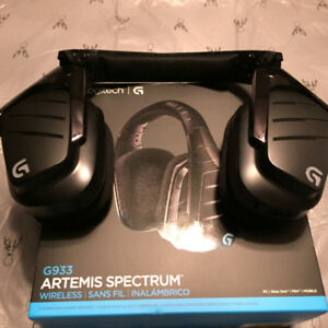 Logitech G933 Artemis Spectrum Gaming Headset Perfect condition