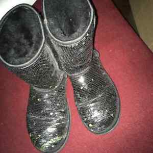 Girls size 5 uggs
