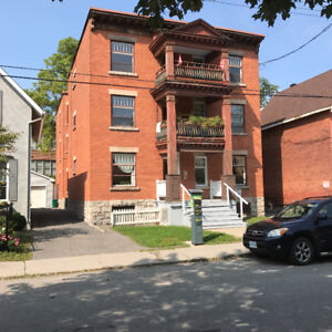 *3 Bedroom available in Centretown on Lisgar!