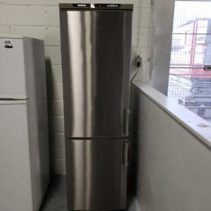 IRIA - Fridge Frigidaire Stainless Steel - (647) 352-5008