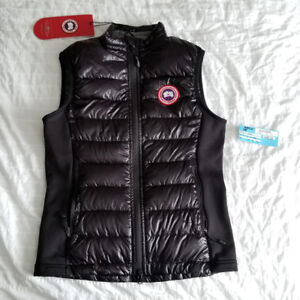 Canada Goose vest (brand new) size xs