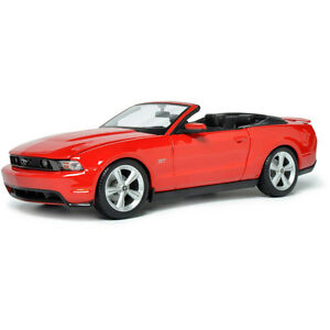 Maisto 2010 Ford Mustang GT Convertible 1:18 Scale