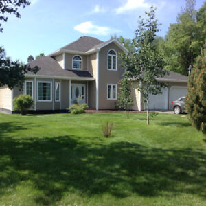 Private Country Living Home - 299 Road to the Isles