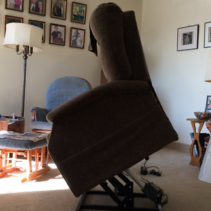 Automatic Lifting Chair $1400 New--Selling for Less than Half