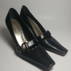 New BCBGirls BCBG Black Leather Mary Jane Woman's Size 5.5 US