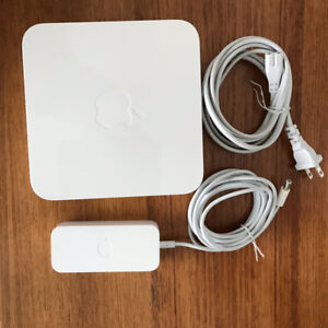 Apple AirPort Extreme 802.11n (2nd Generation).