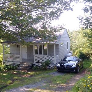 Custom Lakefront Tiny House with Loft in Waverley NS