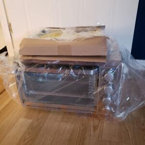 Black + Decker 6 Slice Rotisserie Convection Countertop Oven