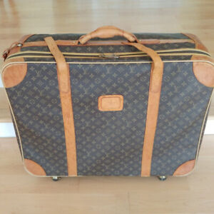 "Louis Vuitton Luggage Wheel Travel Bag 27x10x23""Perfectly clea"