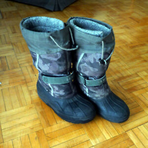 LL bean snow boots size 4  and Gap snow jacket