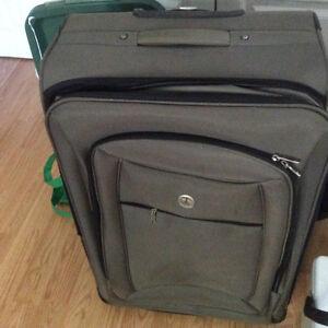 Suitcases various sizes London Ontario image 2