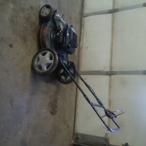 """Sears self-propelled 22"""" lawnmower with lots of extra parts Kingston Kingston Area image 2"""