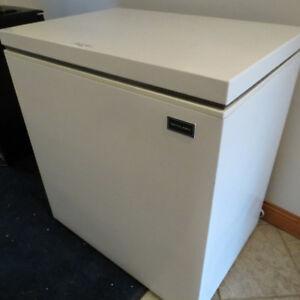 Chest Freezer / Deep Freeze - Compact - 5.0 cu. ft.