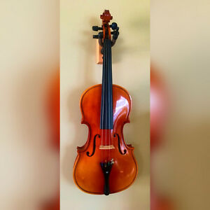 4/4 Violin - Perfect for beginners!