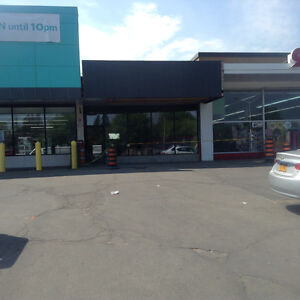 No Frills plaza space for lease