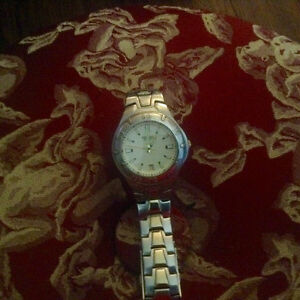 Mens Fossil watch silver and gold