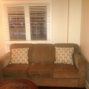 **3 SEATS COUCH ***