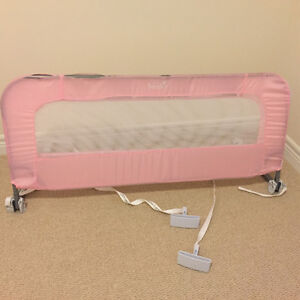Bed rail in pink
