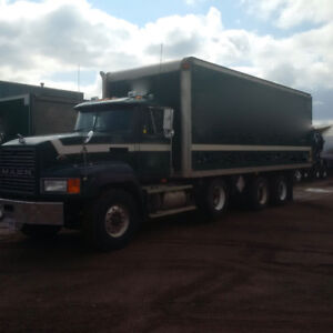 2001 Mack Truck For Sale