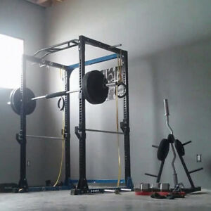 POWER RACK/SQUAT RACK AND 350+ LBS OF WEIGHTS