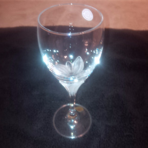 La Fleur crystal red wine glasses