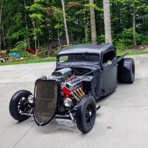 35FORD PICKUP