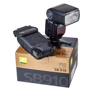 Nikon SB 910 Flash and SD-9 battery pack