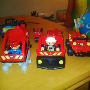 Lego Duplo - fire vehicles and station pieces