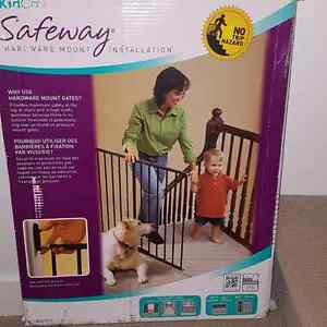 KidCo metal baby gate.
