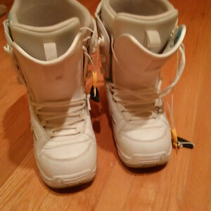 BURTON Women's Snowboard Boots size 9 REDUCED! Kitchener / Waterloo Kitchener Area image 2