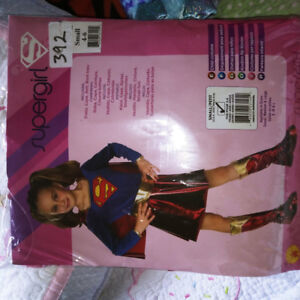 Size small supergirl Halloween costume