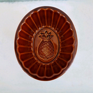 $10 VINTAGE CERAMIC/CROCK JELLY MOLD PINEAPPLE. CAN BE HUNG