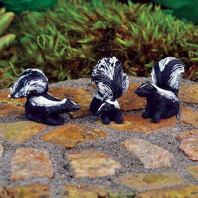 Miniature Dollhouse FAIRY GARDEN ~ Mini Skunks – Set of 3 ~ NEW
