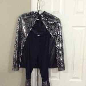GIRLS WITCHES COSTUME Approx size . Small