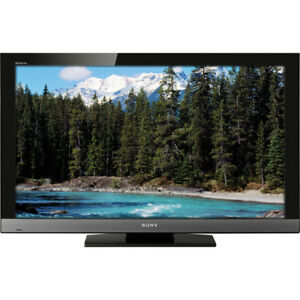 Sony 32inch 1080p LCD TV + free DVD player