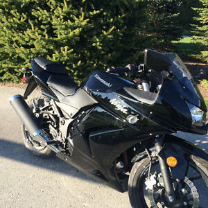 2011 Ninja 250 Black. Great Running Condition!