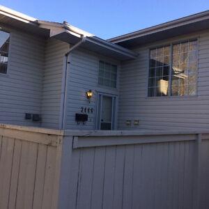 Three Bedroom Condo Avilabale for Rent in South Edmonton