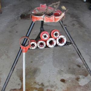 RIGID PIPE STAND  WITH HOLDER & DIES FOR SALE