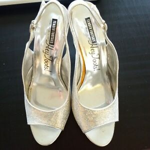 Silver Sparkly High Heels - Size 8 Kitchener / Waterloo Kitchener Area image 3