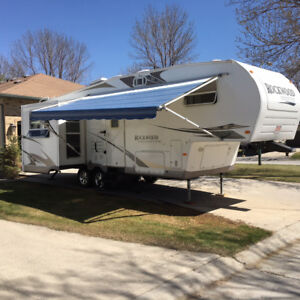 2009 ROCKWOOD 5TH WHEEL