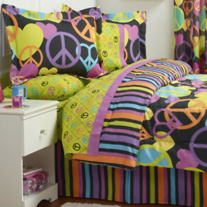Peace and Love Black 4pc Comforter Set - TWIN, New