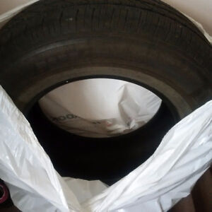 One SUV Lincoln Navigator Spare tire $50.00 (P255 70R 18)