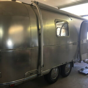 1973 Land Yacht Tradewind Airstream 25'