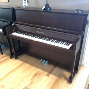 Piano droit Pearl River 115E