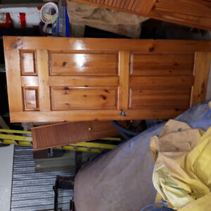 "32""Solid raised panel pine door"