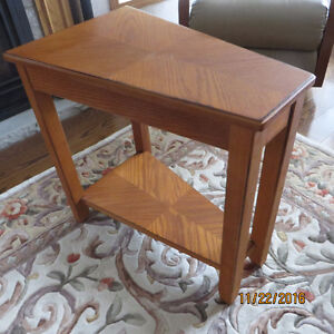 OAK WEDGE OCCASIONAL TABLE