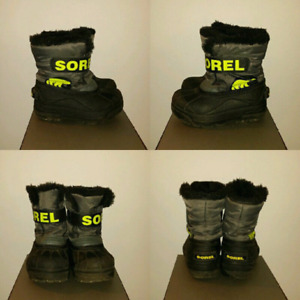 Sorel winter boots (size 10 toddler)
