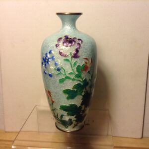 Meiji Japanese Antique Cloisonne Ginbari Jippo Enamelled Floral